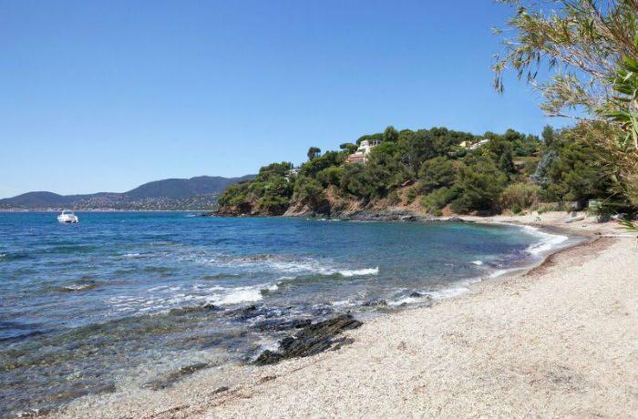 vergeron-beach-house-side1